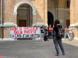 Senigallia (An) - Vertenza Trocadero, la lotta paga!