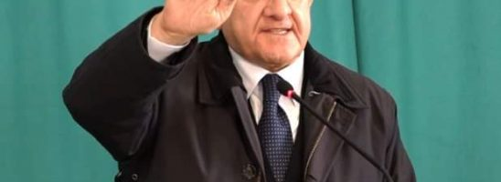 De Luca mette il bavaglio ai medici anti-Covid: niente interviste e rapporti con la stampa senza permesso
