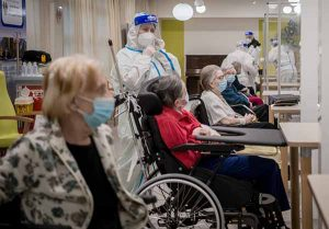 RSA: più vaccini e più anziani positivi al Covid! Nesso causale troppo complesso da capire?