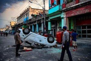 Sulla gestione dell'emergenza pandemica e le rivolte a Cuba