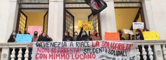 Da Venezia a Riace la solidarietà non si arresta